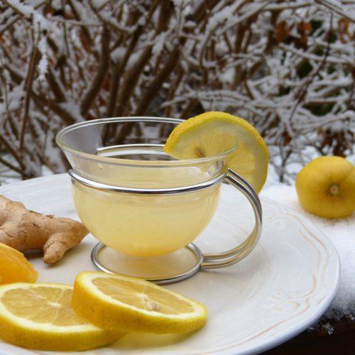 zázvorová limonáda s citrónem